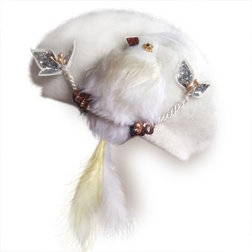 画像1: 尻尾はピアスに!もふもふ鳥ベレー(ホワイト) (1)